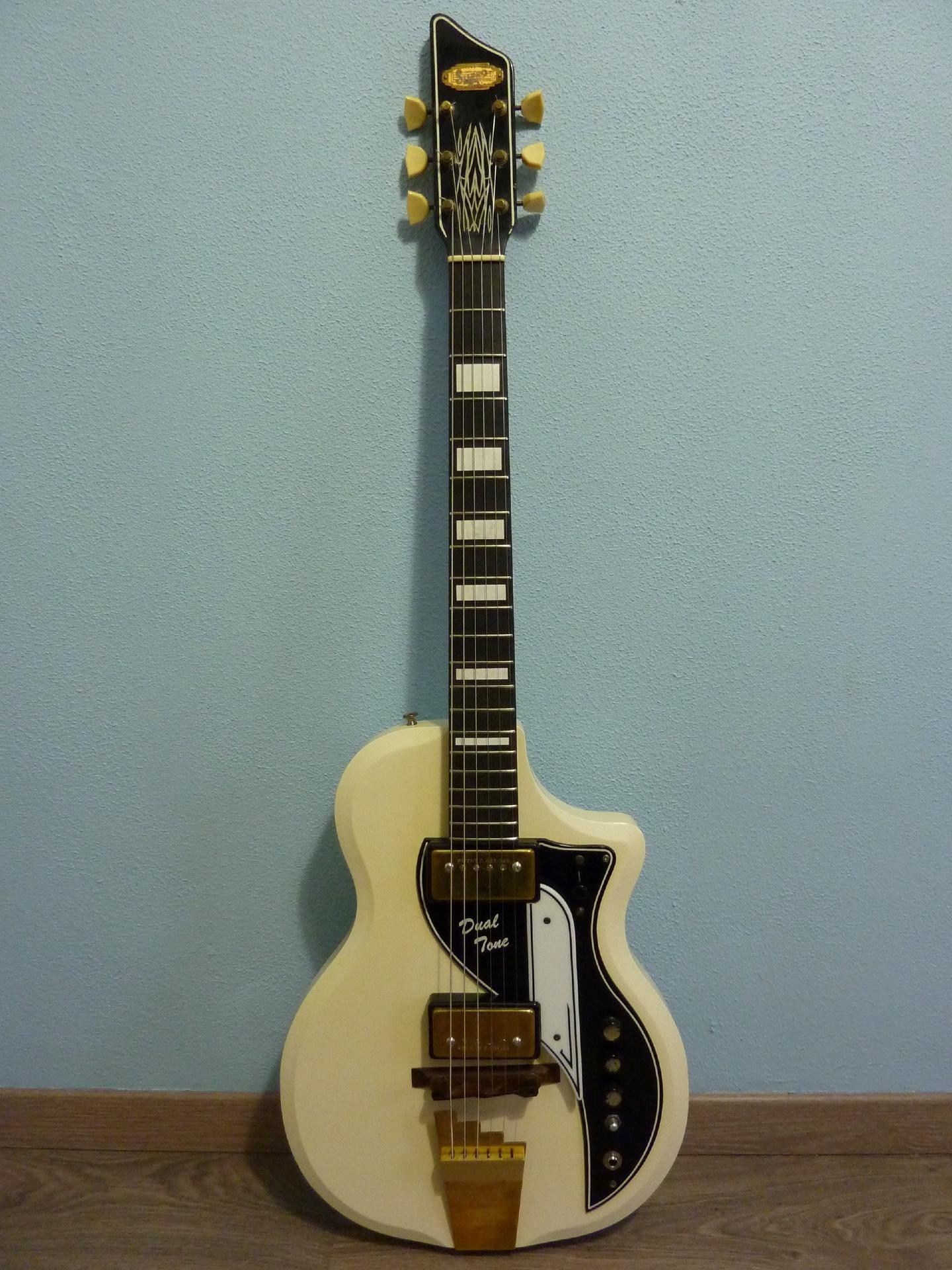 1958 Supro Dual Tone Buy Vintage Supro Guitar At Hender