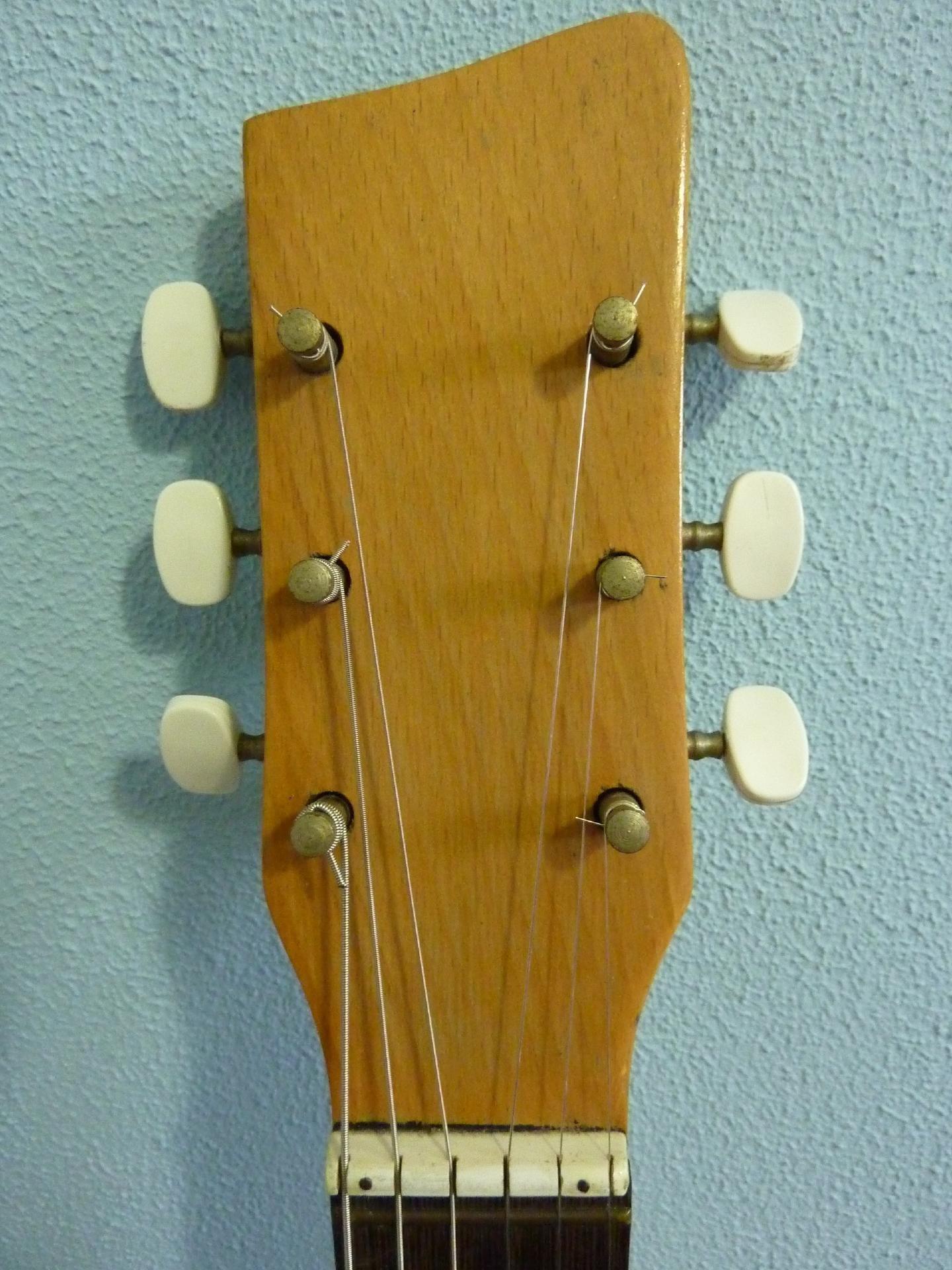 1961 egmond manhattan buy vintage egmond guitar at hender amps vintage guitar shop. Black Bedroom Furniture Sets. Home Design Ideas