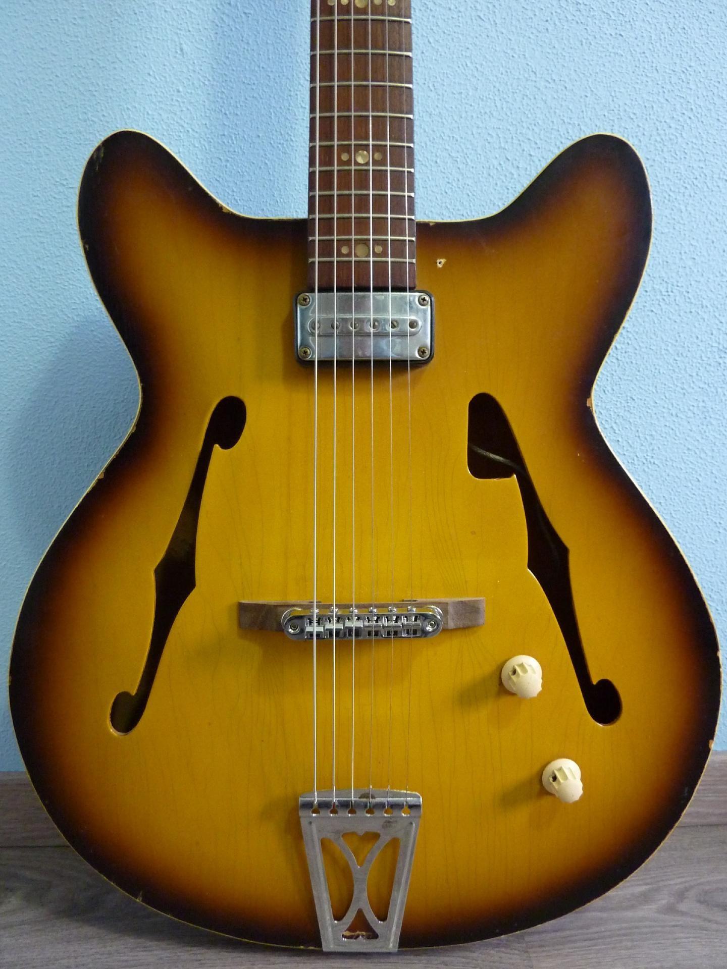 60 39 s egmond princess buy vintage egmond guitar at hender amps vintage guitar shop. Black Bedroom Furniture Sets. Home Design Ideas